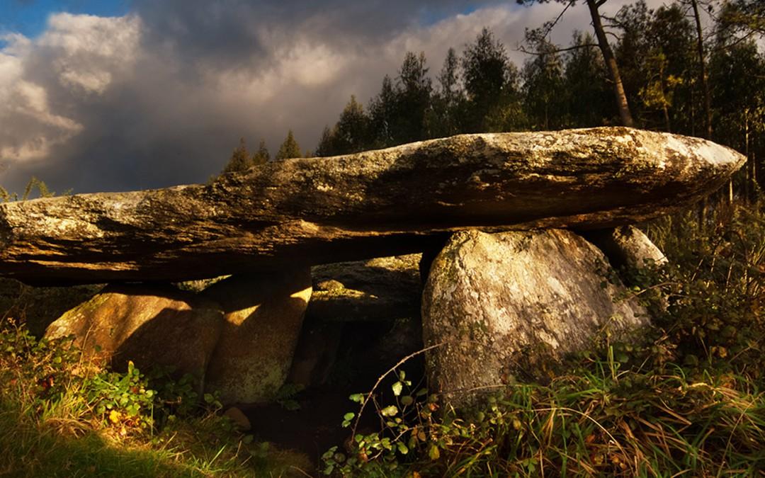 Dolmen Pedra da Arca of Regoelle