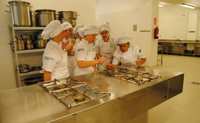 City Council of Carballo will invest 100.000 euros per year to train 15 top chefs