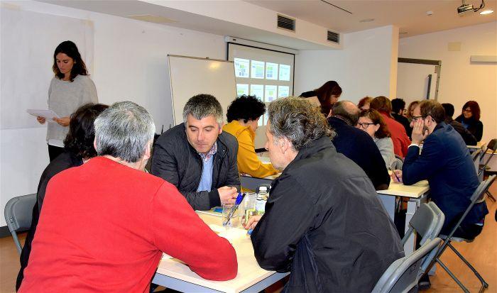 La CMAT inaugura sus mesas de trabajo en la Casa de la Cultura de Vimianzo.